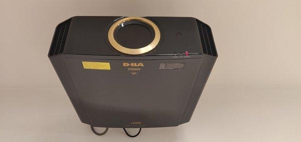 Sprzedam projektor JVC DLA-RS540 4K UHD