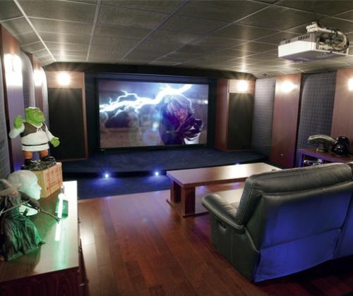 Jaki wybra� ekran do projektora - przewodnik