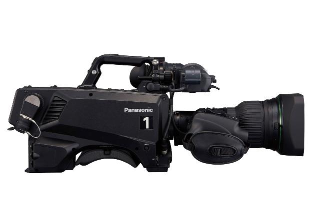Panasonic wzmacnia ofert� kamer studyjnych