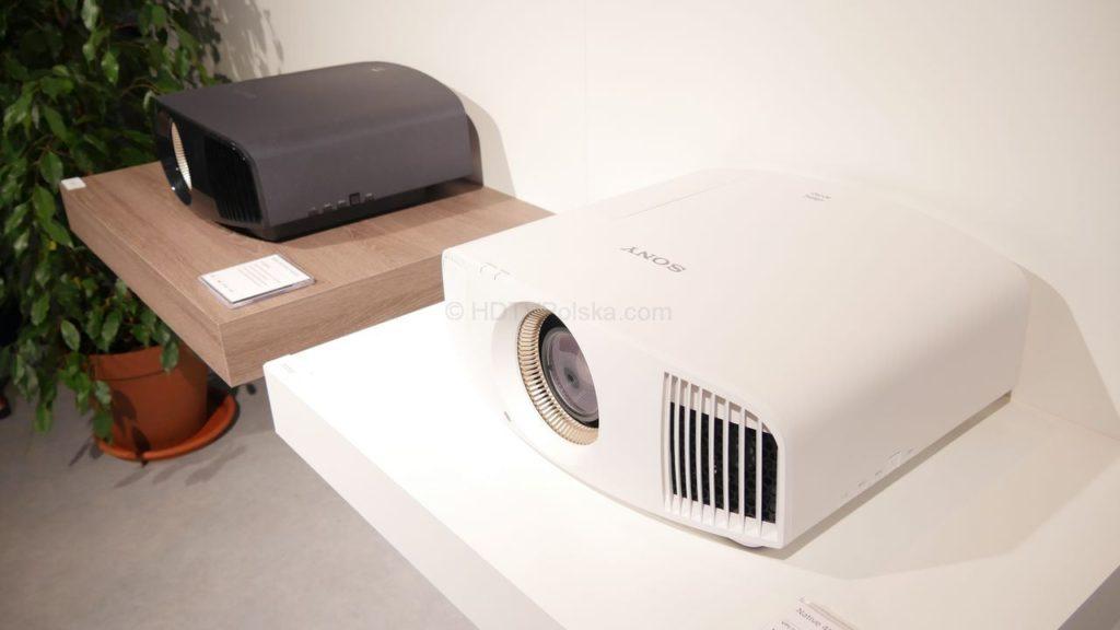 Sony VW550 2