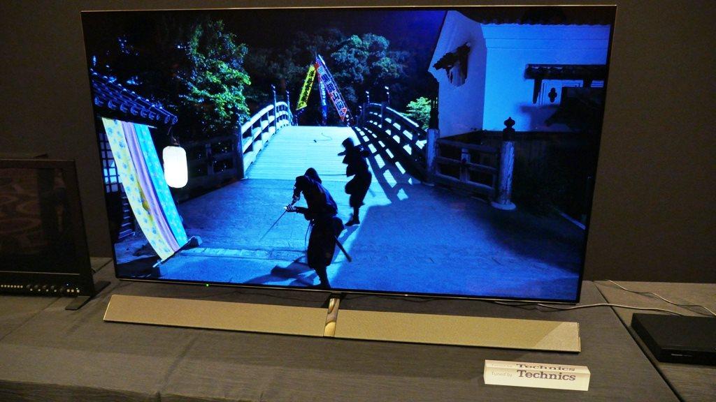CES 2017: Ekran Panasonic Remasters OLED z oszałamiającym telewizorem EZ1000 na 2017 Consumer Electronics Show