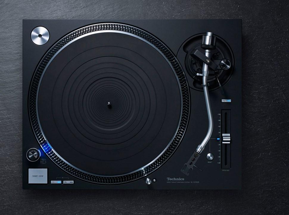 Legenda powraca: Najnowsze gramofony z bezpośrednim napędem talerza Technics SL 1200GR i SL 1210GR otwierają nowy rozdział w historii muzyki
