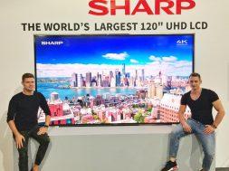 Największy Sharp 120″