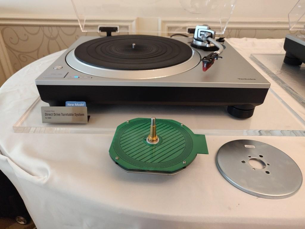CES 2019: Poznaj nową jakość swoich płyt winylowych — odtwórz je na najnowszym gramofonie z bezpośrednim napędem talerza