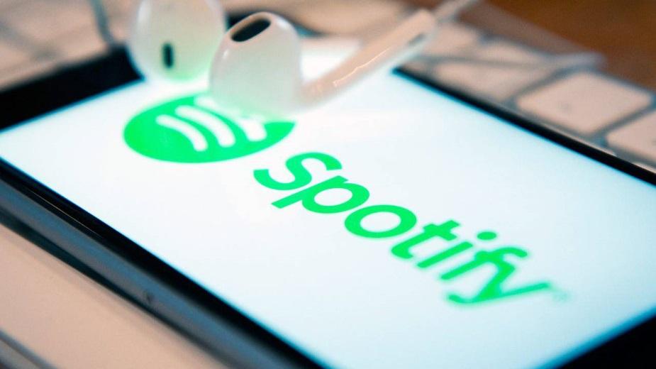 Spotify wydaje grube miliony na podcasty
