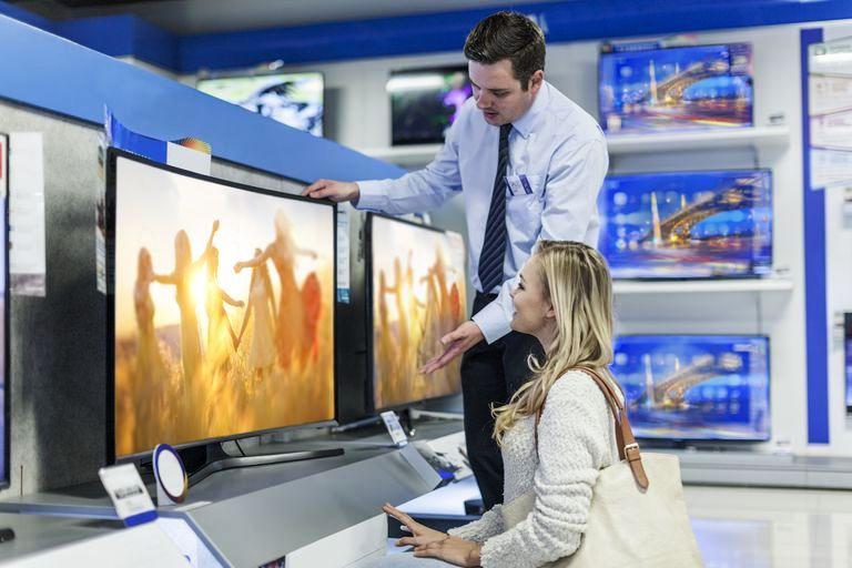 Czy za 4000 zł da się kupić telewizor na lata?