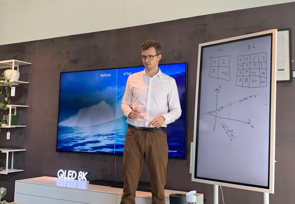 Sztuczna inteligencja wykład samsung qled 8k