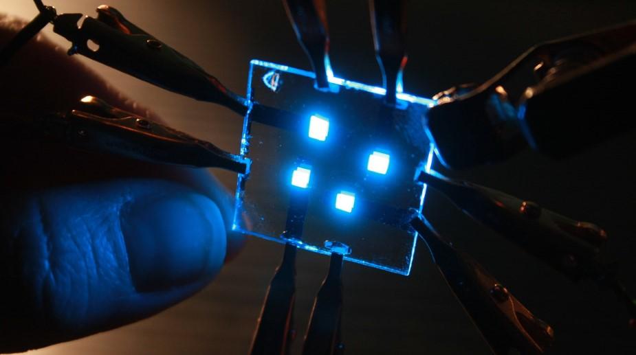 Nowe wyświetlacze OLED mogą poprawić wydajność smartfonów