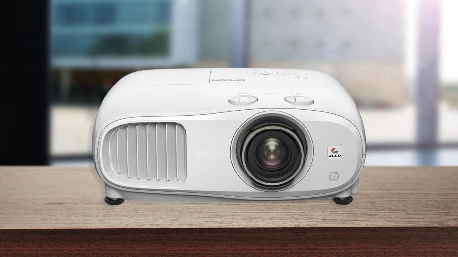 Epson EH-TW7000 i EH-TW7100: przystępne cenowo projektory 4K
