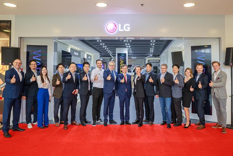 Otwarcie Brand Store LG relacja Klif Warszawa