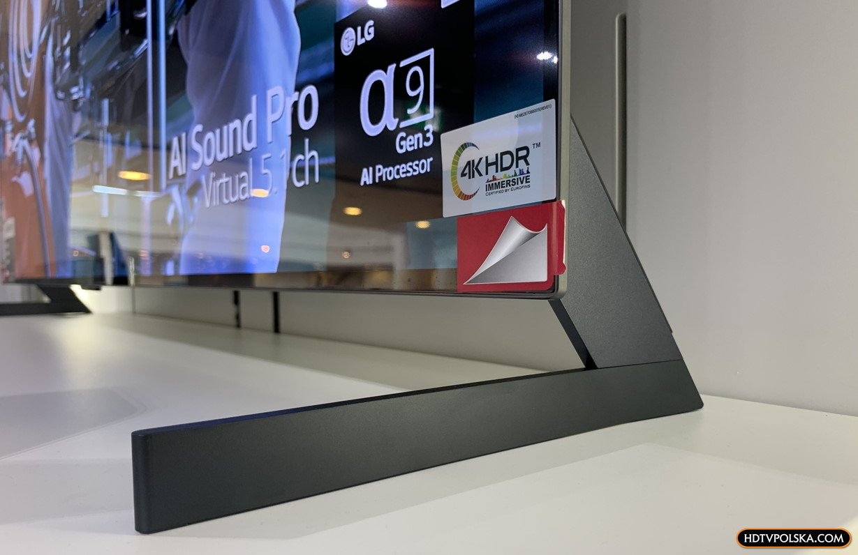 LG OLED GX test podstawa nóżki na telewizorze 1