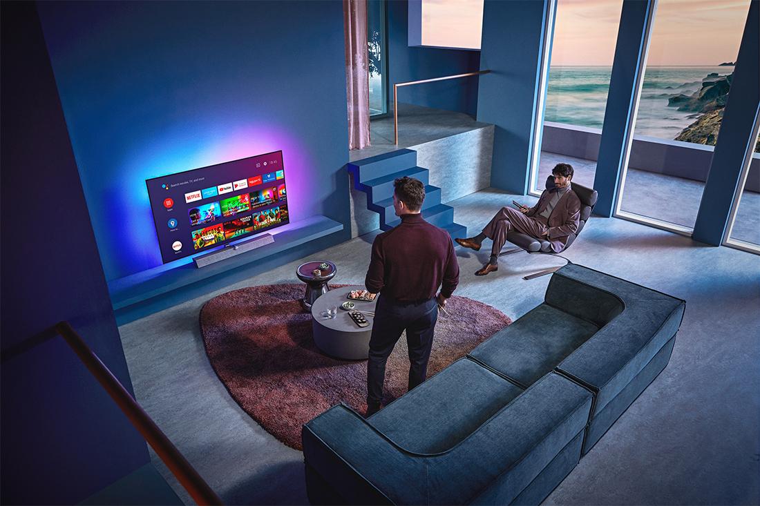 Philips przedstawia OLED+935 - nowy flagowy telewizor z Ambilight nagrodzony tytułem EISA Home Theatre TV 2020-2021!