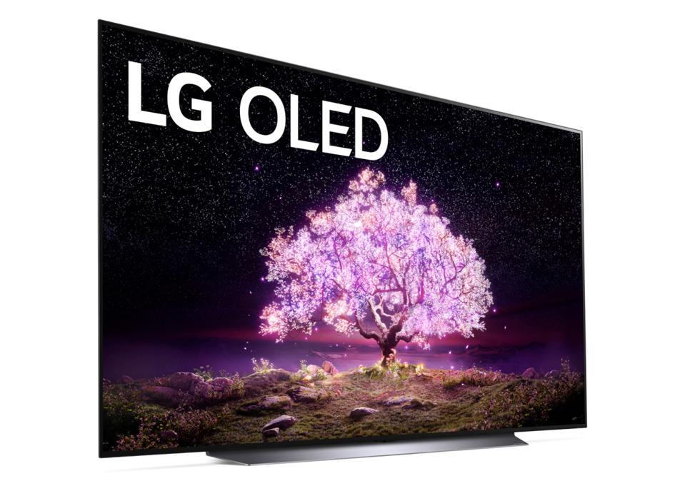 """Poznajcie telewizory LG OLED, QNED MiniLED i NanoCell na 2021 rok! Jaśniejsze ekrany, OLED 83"""" - co jeszcze wiemy po konferencji?"""