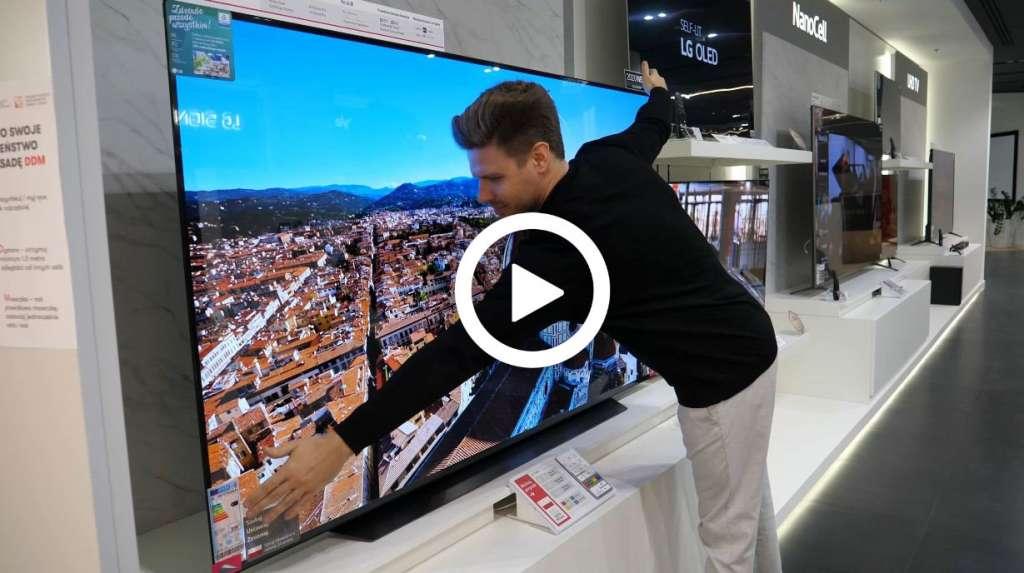 Jak duży telewizor kupić Jak go powiesić Jak siadać Film